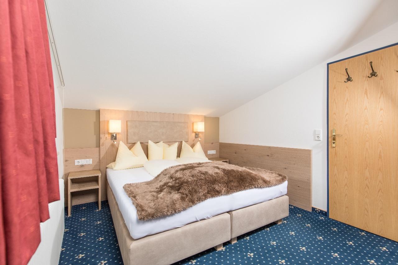 suites at hotel andrea in mayrhofen. Black Bedroom Furniture Sets. Home Design Ideas